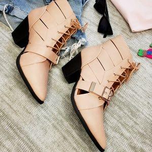 Shoes - 🆕️//The Nala// pink buck boot